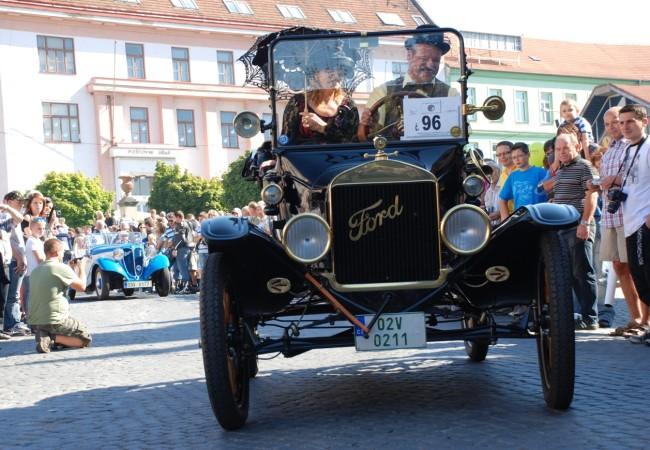 Autoklub Tišnov slaví 85 let a zve na 15. ročník Přehlídky elegance