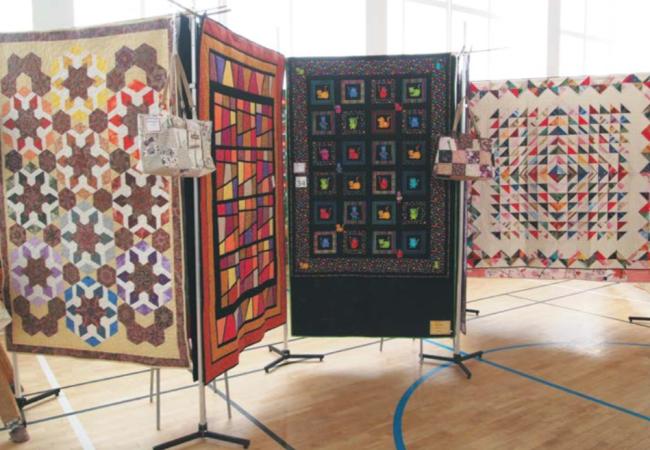 Milovnice patchworku aquiltu vystavovaly vTišnově