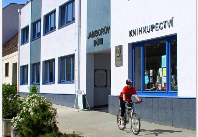 Převod knihovny pod MěKS