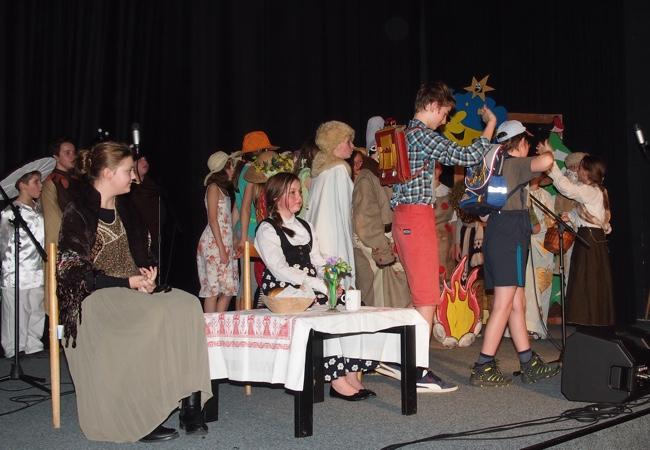 Přehlídka divadelních představení žáků NG Gymnázia Tišnov