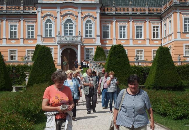 CSS Tišnov: Senioři si projdou vilu Tugendhat
