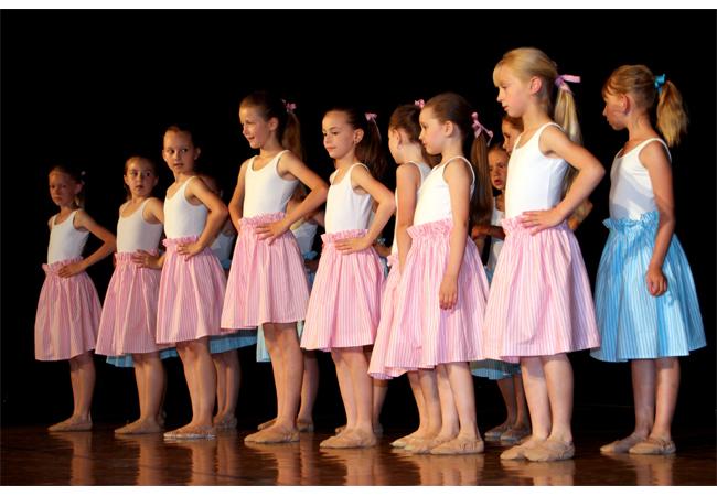 Tanec obohacuje a plní srdce radostí