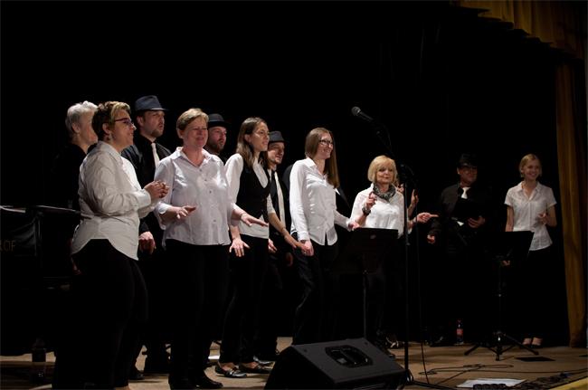 Lomnický Sbor Disharmonických amatérů hledá nové zpěváky do svých řad
