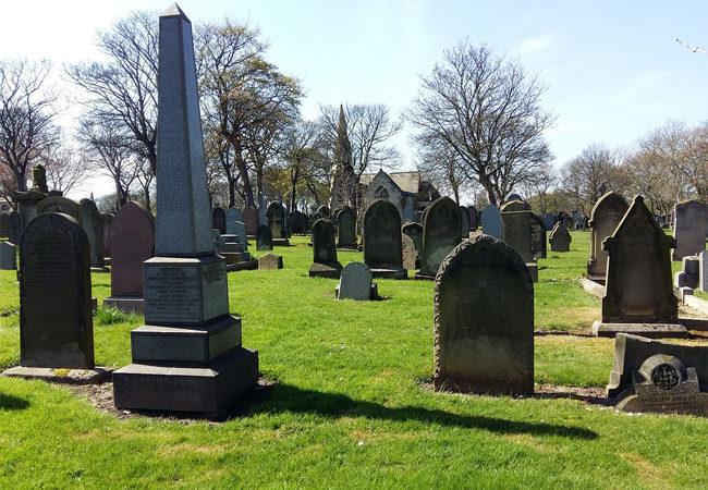 Prodloužení otevírací doby hřbitovů