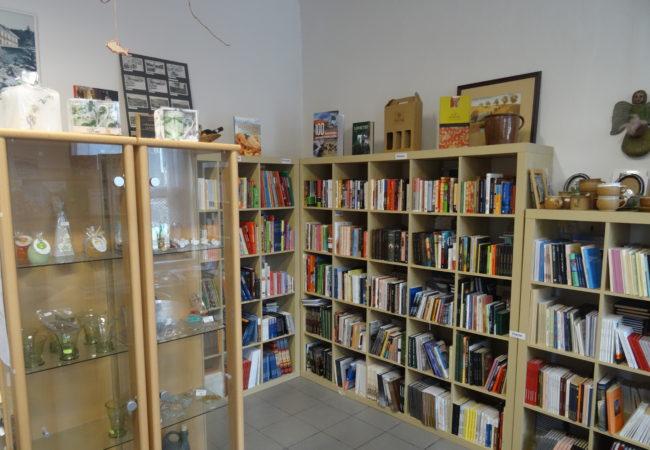 Přes 400 krásných knih z Tišnova