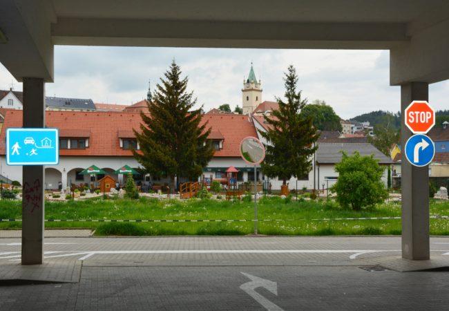Změna dopravního značení u Alberta v Tišnově