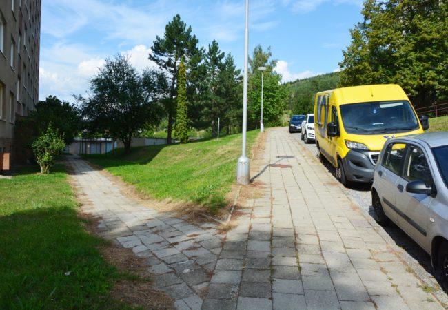Podzimní opravy chodníků