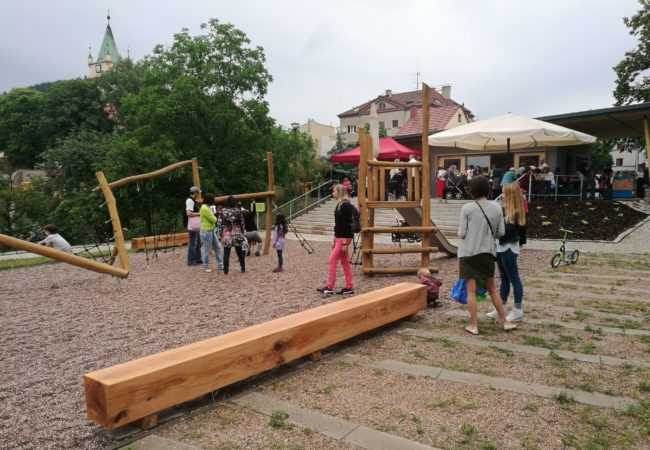 Park pod kostelem byl zpřístupněn veřejnosti