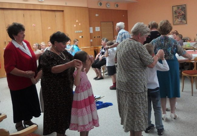 Vystoupení dětí a seniorů