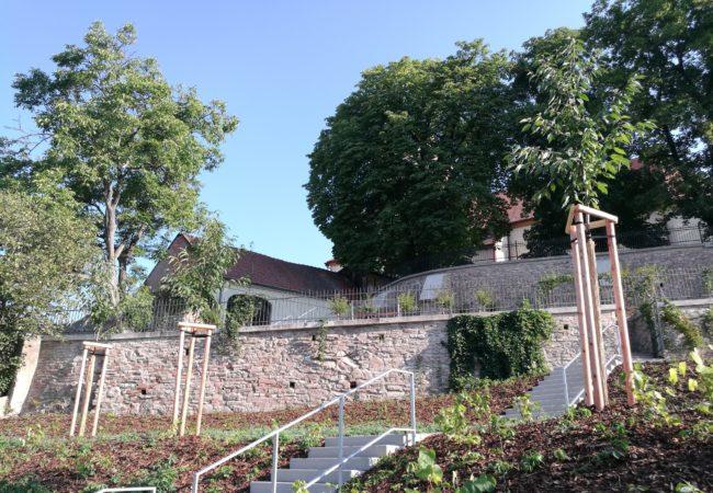 Park pod kostelem byl dokončen