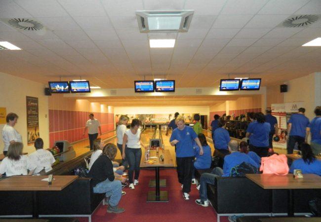 Charitativní bowlingový turnaj