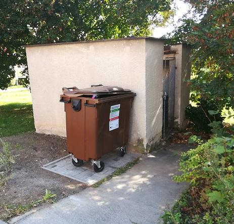 Hnědé kontejnery nabioodpad