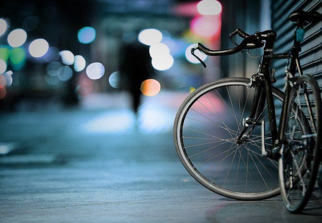 Jungmannovou ulicí povede do3 měsíců cyklopruh