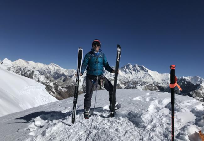 Mera Peak 6 476 m v rychlostním rekordu a dolů na lyžích