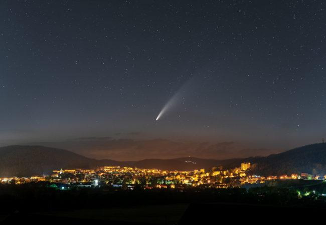 Kometa Neowise nad Tišnovem