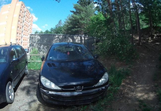 Autovraky v Tišnovských ulicích