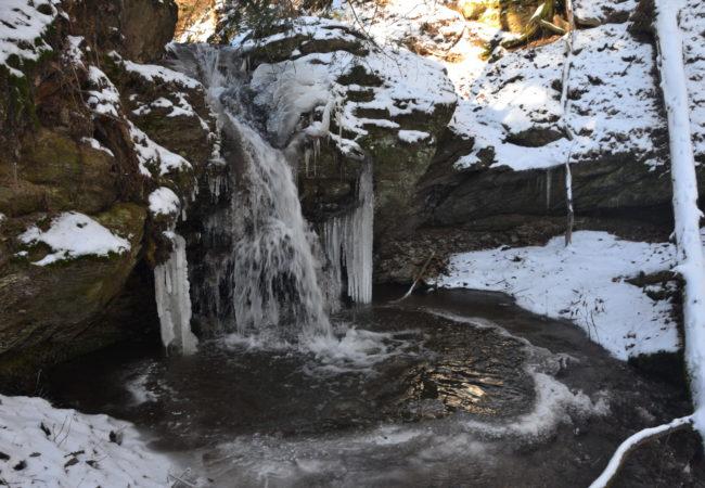 Zimní a jarní krása vody – Vodopády, potoky a rybníčky